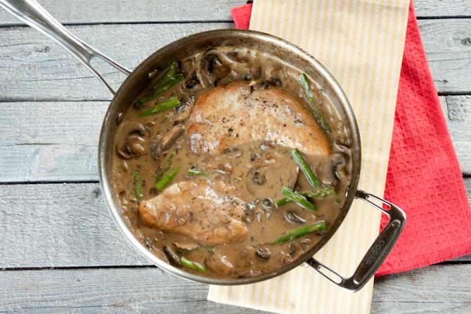 Healthy Pan Fried Chicken with Creamy Mushroom Asparagus Sauce | simplerootswellness.com