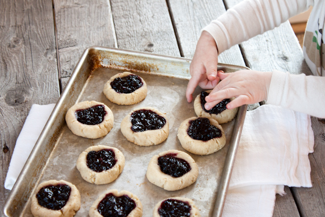 Blueberry Thumbprint Cookies | simplerootswellness.com