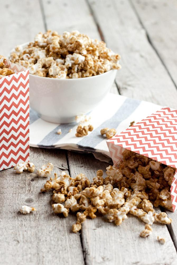 Guilt Free Caramel Corn | simplerootswellness.com