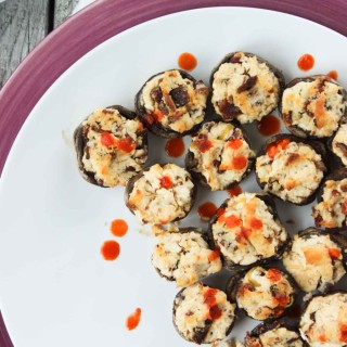 'Cheesy' Sriracha and Bacon Stuffed Mushrooms