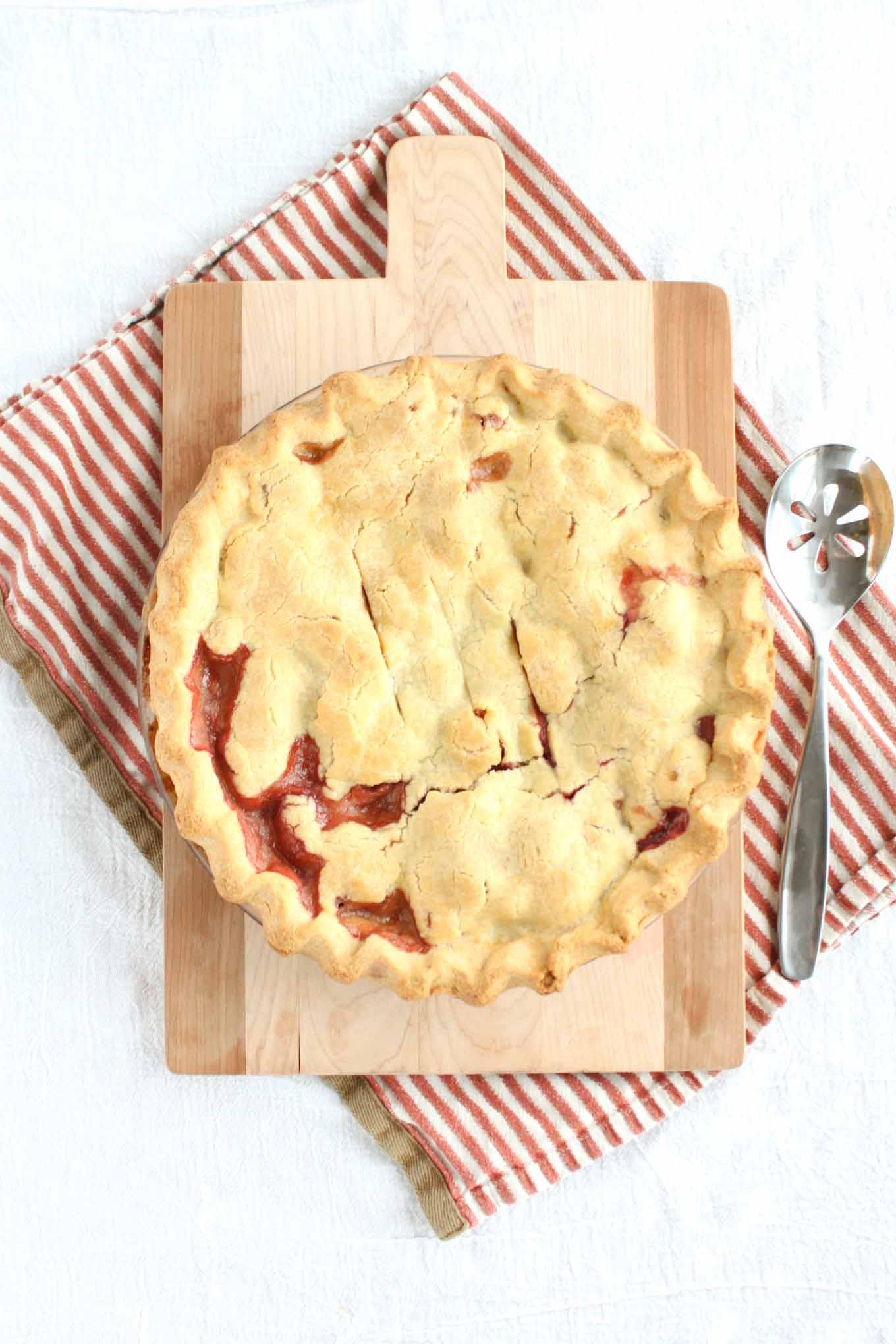 raspberry-rhubarb-pie-1
