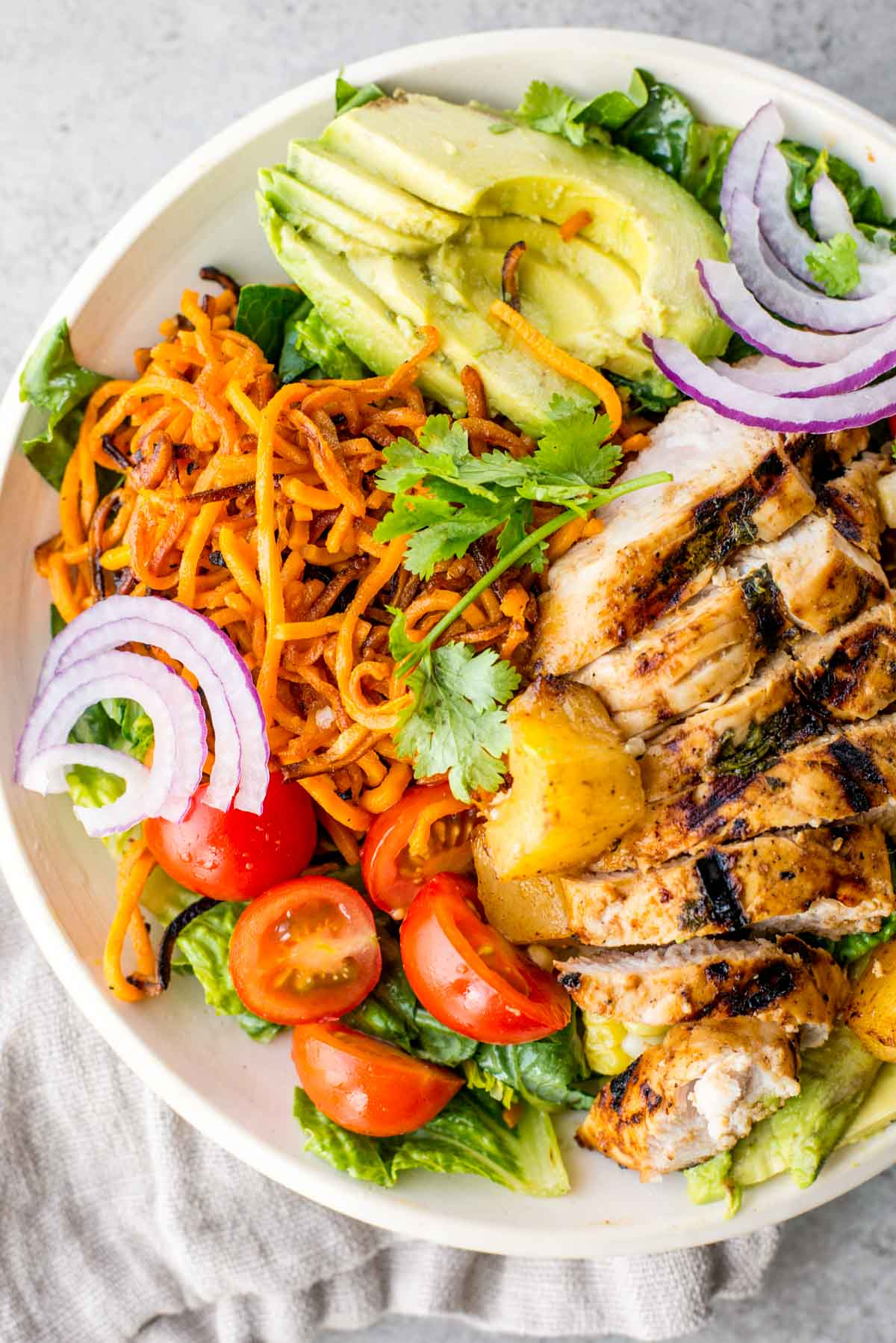 Dinner doesn't have to be complicated and healthy food should be delicious! Here's how to pull off both with this 15 minute meal!