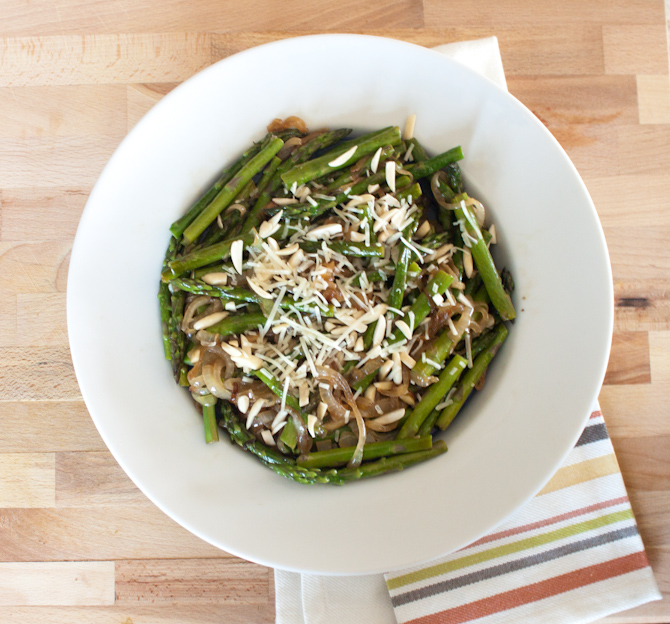 Skillet Asparagus with Caramelized Onions | simplerootswellness.com