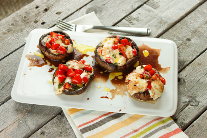 Caprese Stuffed Mushrooms | simplerootswellness.com