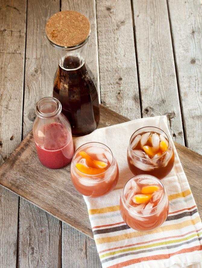 Bellini Tea {Paleo, Refined Sugar Free} | simplerootswellness.com