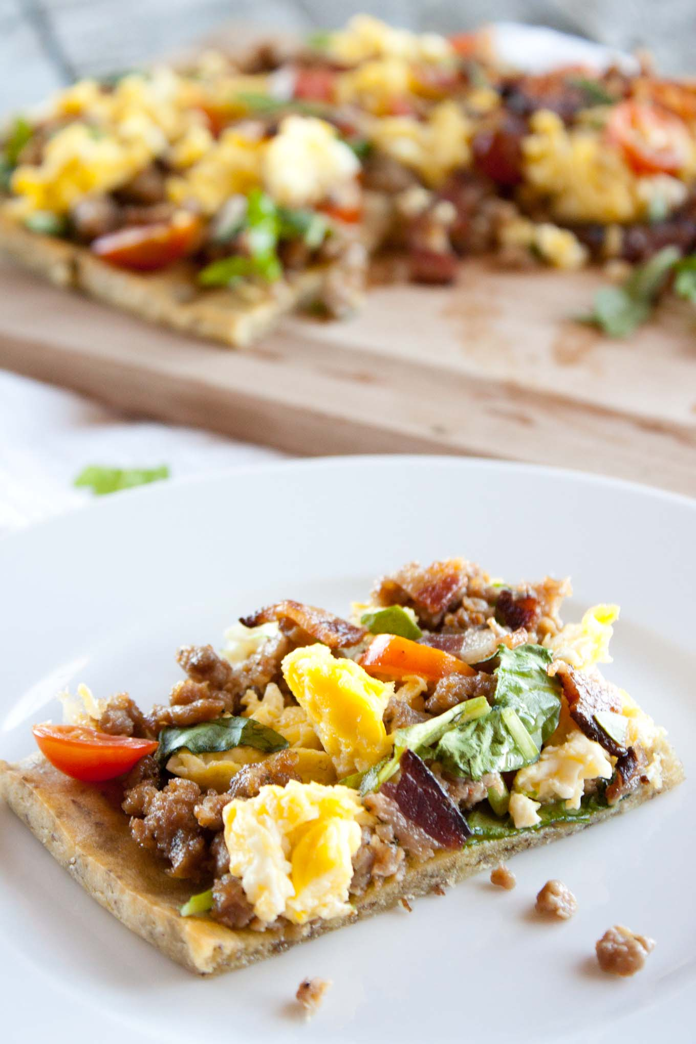 Loaded Breakfast Flatbread | simplerootswellness.com