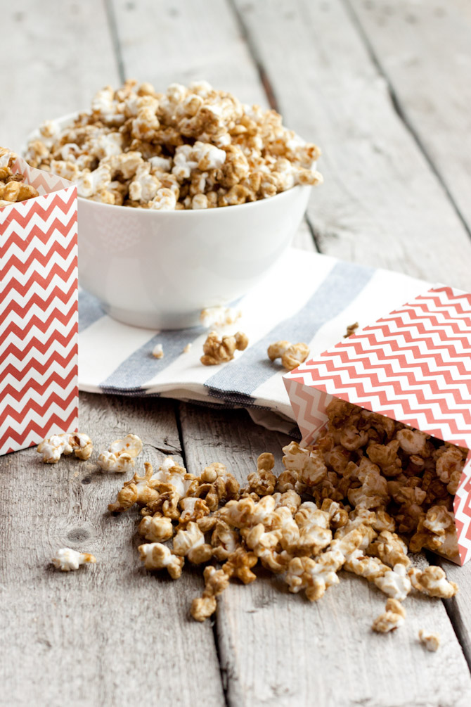 Guilt Free Caramel Corn with 18 grams less sugar per cup | simplerootswellness.com