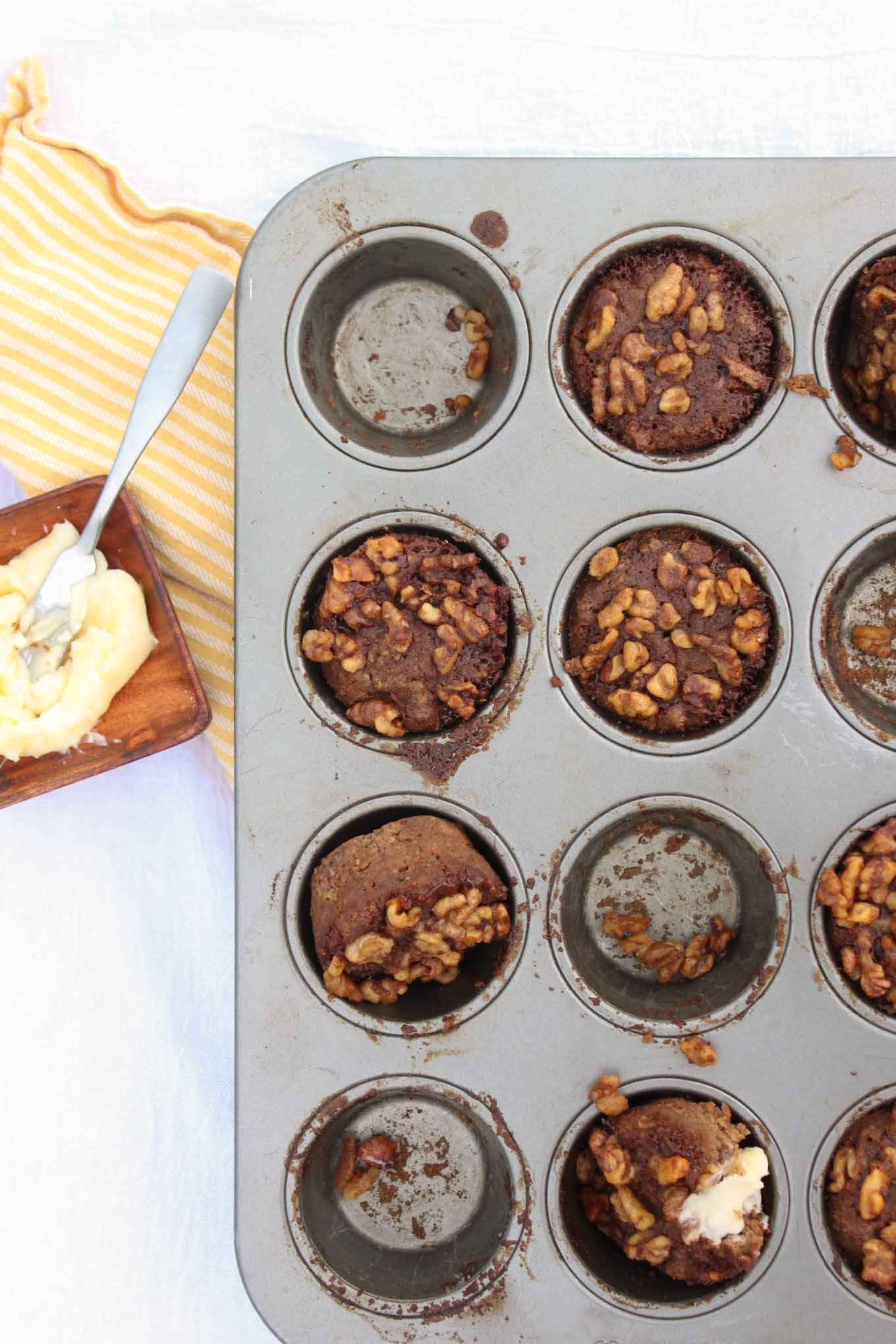 Spiced Zucchini Muffins with Streusel Topping | simplerootswellness.com