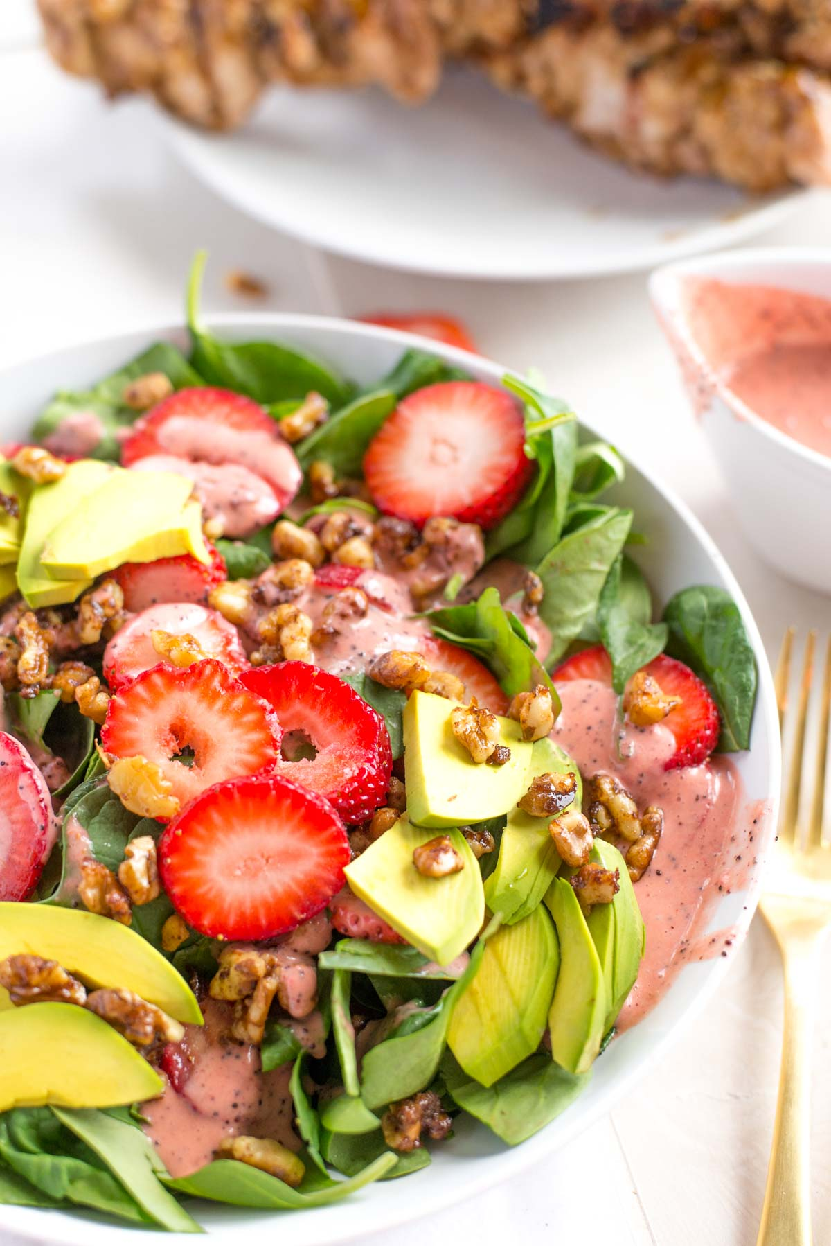 Healthy, fresh and flavorful I'd HIGHLY recommend adding this 10 minute Strawberry Spinach Salad to your meal plan this week.