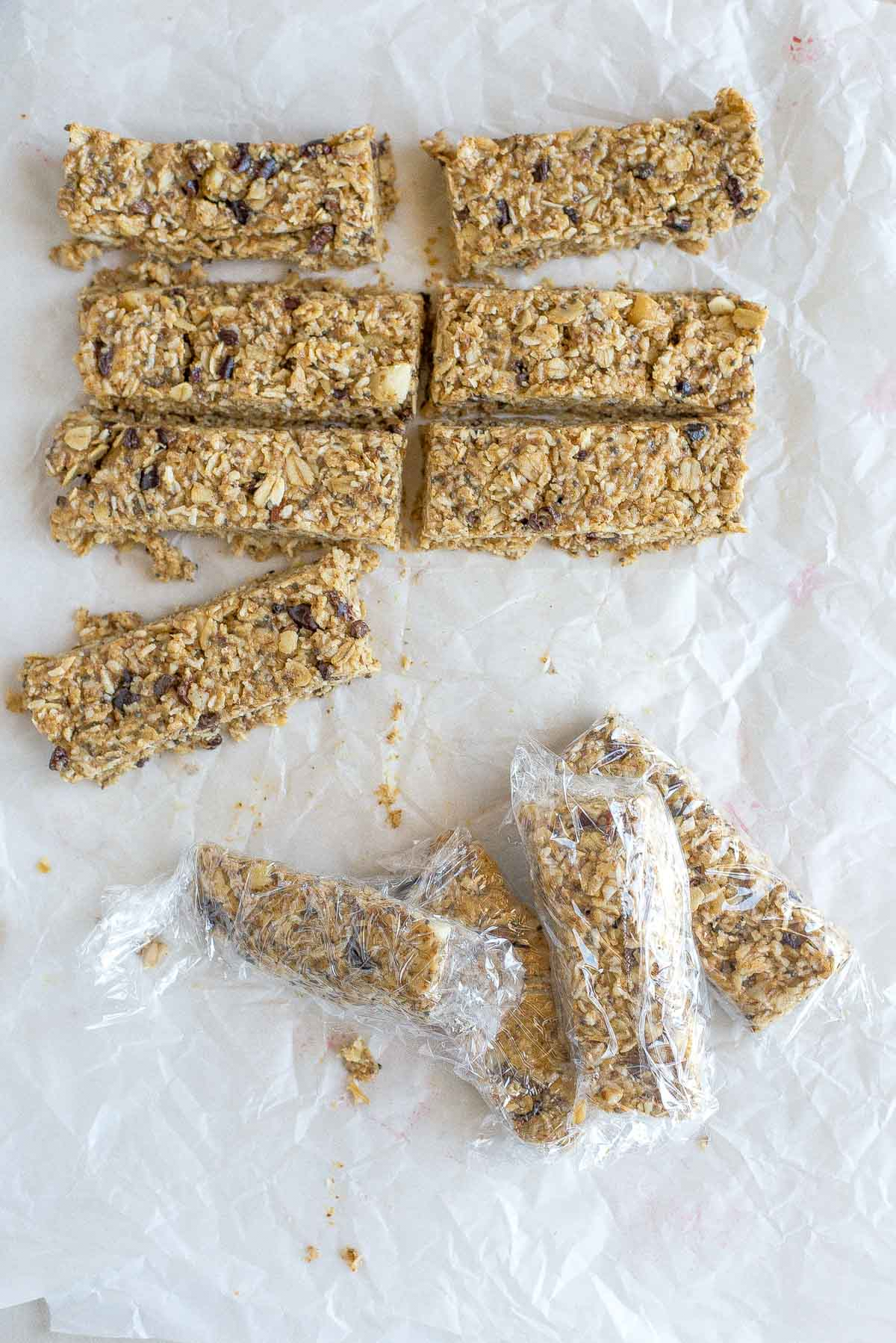 Are you looking for the perfect homemade snack? Check out this 10 minute chewy, no-bake, gluten-free granola bar recipe. You'll be glad you did.