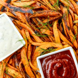 Crispy Homemade Dairy-Free Ranch Fries | simplerootswellness.com #frenchfries #easyrecipes #mealprep #ranch #healthy