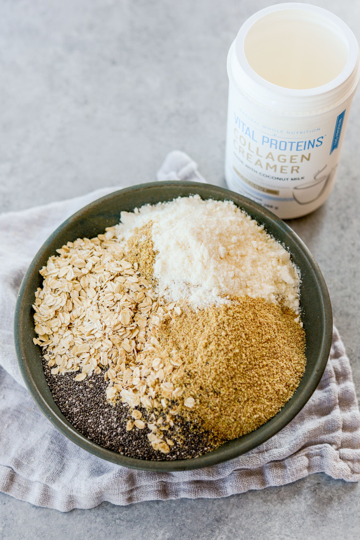 Healthy Protein Packed Instant Oatmeal Recipe 5-Ways | simplerootswellness.com #oatmeal #protein #quick #breakfast #healthy