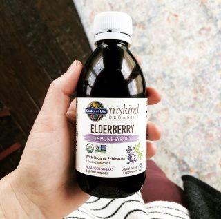 Why You Should Take Elderberry Syrup + Homemade Recipe | simplerootswellness.com #elderberry #immunebooster #immunity #coldandflu #prevention